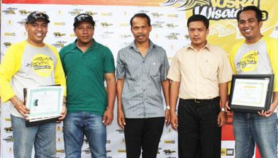 Penyerahan Lost time injury PT.Jhonlin Baratama ke PT. Trakindo Utama. Jhonlin Group