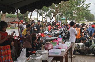 Jhonlin Group, Aneka kue, Kalimantan Selatan, Batulicin, H Isam, h-isam