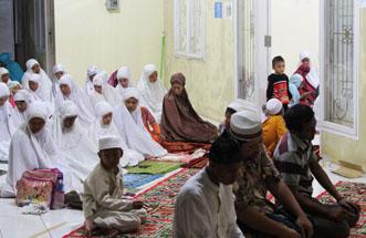 Jhonlinberibadah, Jhonlin group, Kalimantan Selatan, Batulicin, H Isam, h-isam