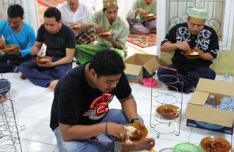 jhonlin Beribadah, Jhonlin Group, Kalimantan Selatan, Batulicin, H Isam, h-isam