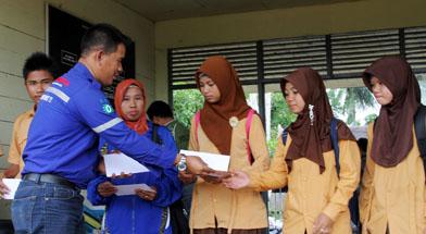 Jhonlin Group, Kalimantan Selatan, Batulicin, H Isam, h-isam, CSR, Bantuan dana Prestasi