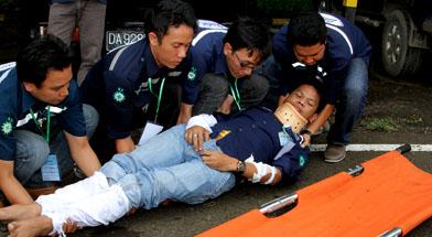 Jhonlin Group, PT. Jhonlin Marine Lines, Kalimantan Selatan, Batulicin, Pelatihan First aid SHE JG, h isam