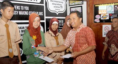 Jhonlin Group, Bantuan dana berprestasi, Kalimantan Selatan, Batulicin, h isam