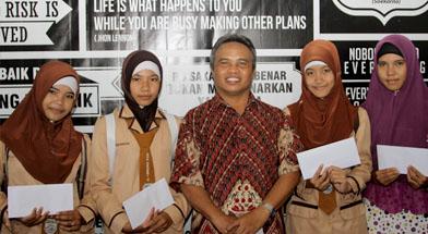 Jhonlin Group, Kalimantan Selatan, Batulicin, Bantuan dana berprestasi, h isam