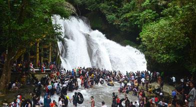 Jhonlin Group, Kalimantan Selatan, Batulicin, Jalan-jalan bro Makassar, h isam