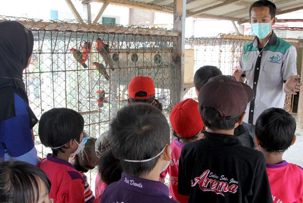 TK Buah Hati, Ds. Cantung Kiri Hilir Kota Baru, Jhonlin Lestari, Jhonlin Group