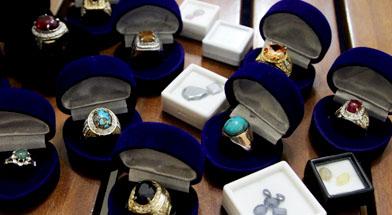 Jhonlin Group, Kalimantan Selatan, Batulicin, koleksi batu permata, h isam