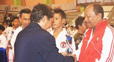 Jhonlin Group, Lemkari Jhonlin, Kalimantan Selatan, Batulicin, h isam