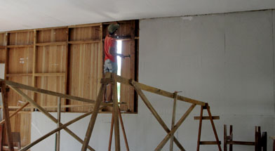Jhonlin Group, Bantuan renovasi sekolah, SMK Kodeco Simpang Empat, Kalimantan Selatan, Batulicin, h isam