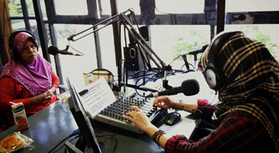 Jhonlin Group, Jhonlin Radio, Perempuan Sukses, Hari Pendidikan, Kalimantan Selatan, Tanah Bumbu, Batulicin, h isam