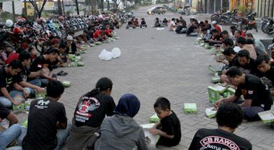 Jhonlin Group, Ngabuburit, Soreram, Bulan Ramadhan, Kalimantan Selatan, Tanah Bumbu, Batulicin, h isam