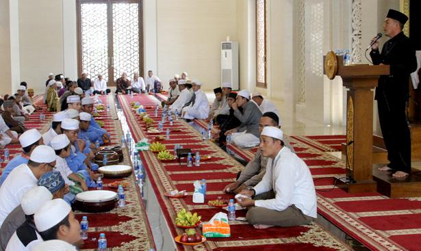 Jhonlin Group, Isra MI'raj 1437 H, Batulicin, Tanah Bumbu, Kalimantan Selatan, Masjid Al-Falah