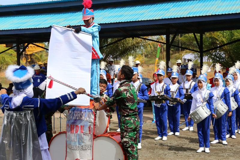 Jhonlingroup_upacara_bulanK32017_nasional_001